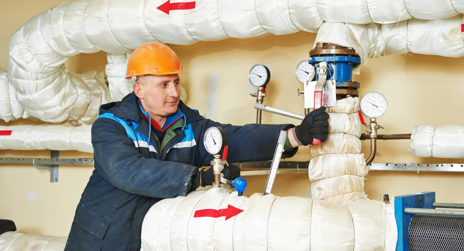 heating-engineer-repairman-boiler-room-fire-engineering-system-system-open-valve-equipment-house-51399244