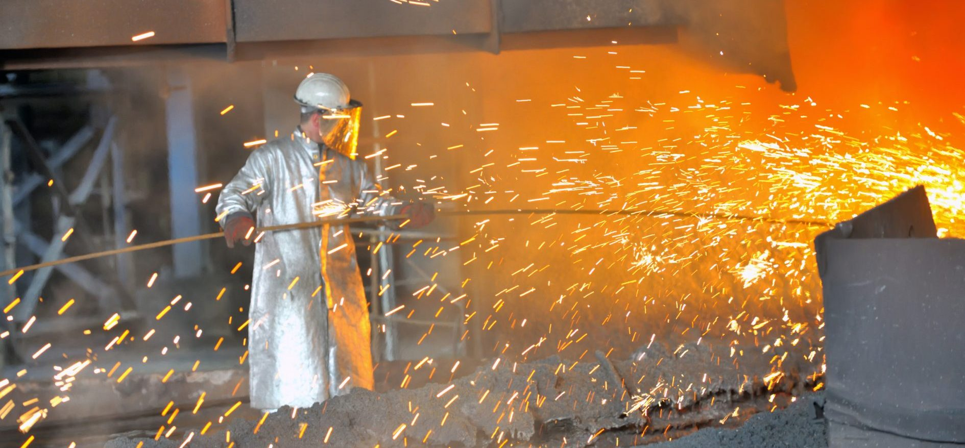 mill-worker-hot-steel-factory-30684441